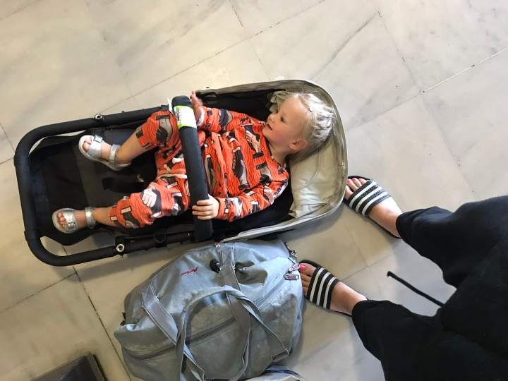 Travelling Light with Toddler in Tow